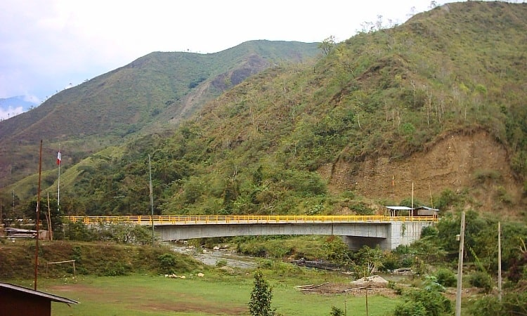 Peru-Ecuador Border Crossing