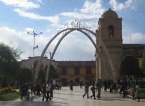plaza-constitucion-huancayo-peru