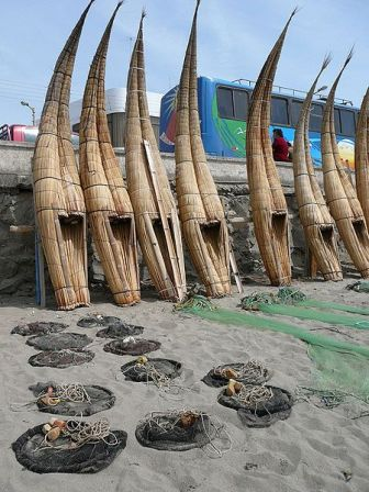 caballitos-de-totora-peru-fishing-boats