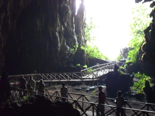 Cueva de las Lechuzas walkway