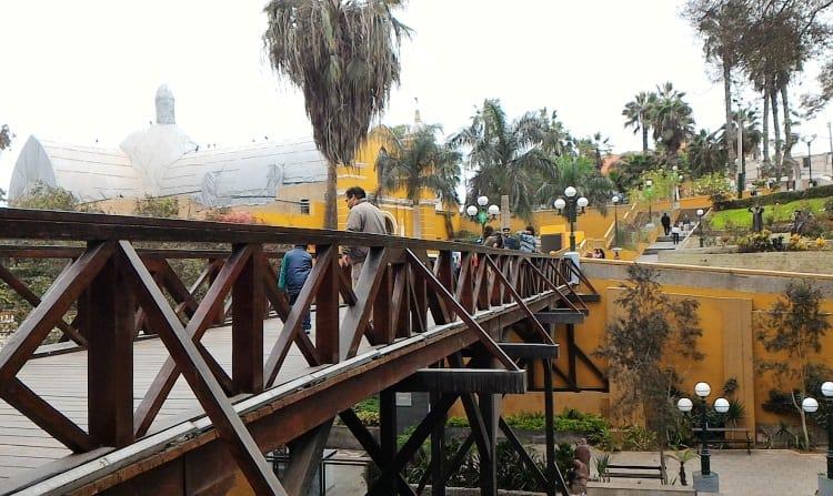The Puente de los Suspiros, Barranco's Bridge of Sighs | How