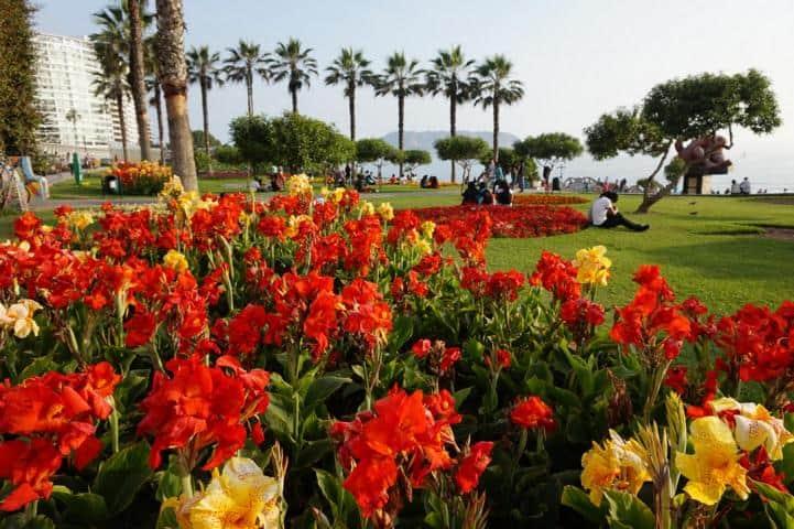 Parque de Amor - Layover Lima