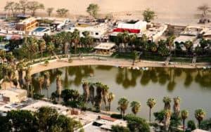huacachina-sandboarding-oasis
