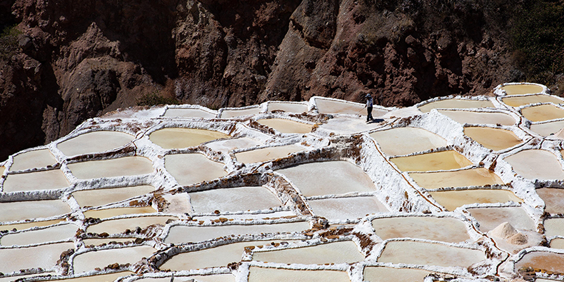 maras salt mines cusco